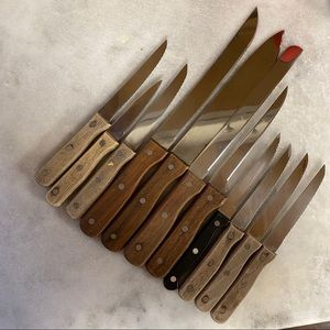 11 assorted knives